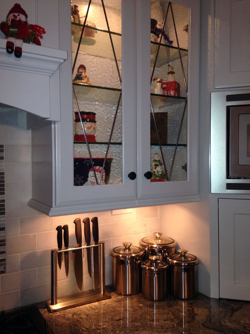 Seeded Glass Kitchen Cabinet Door In 2020 Glass Kitchen Cabinets Glass Kitchen Cabinet Doors Kitchen Cabinets