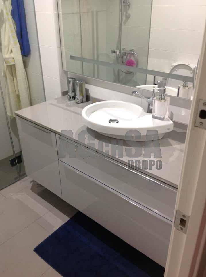 Mueble de lavabo y lavabo sobre encimera ba o for Mueble lavabo moderno