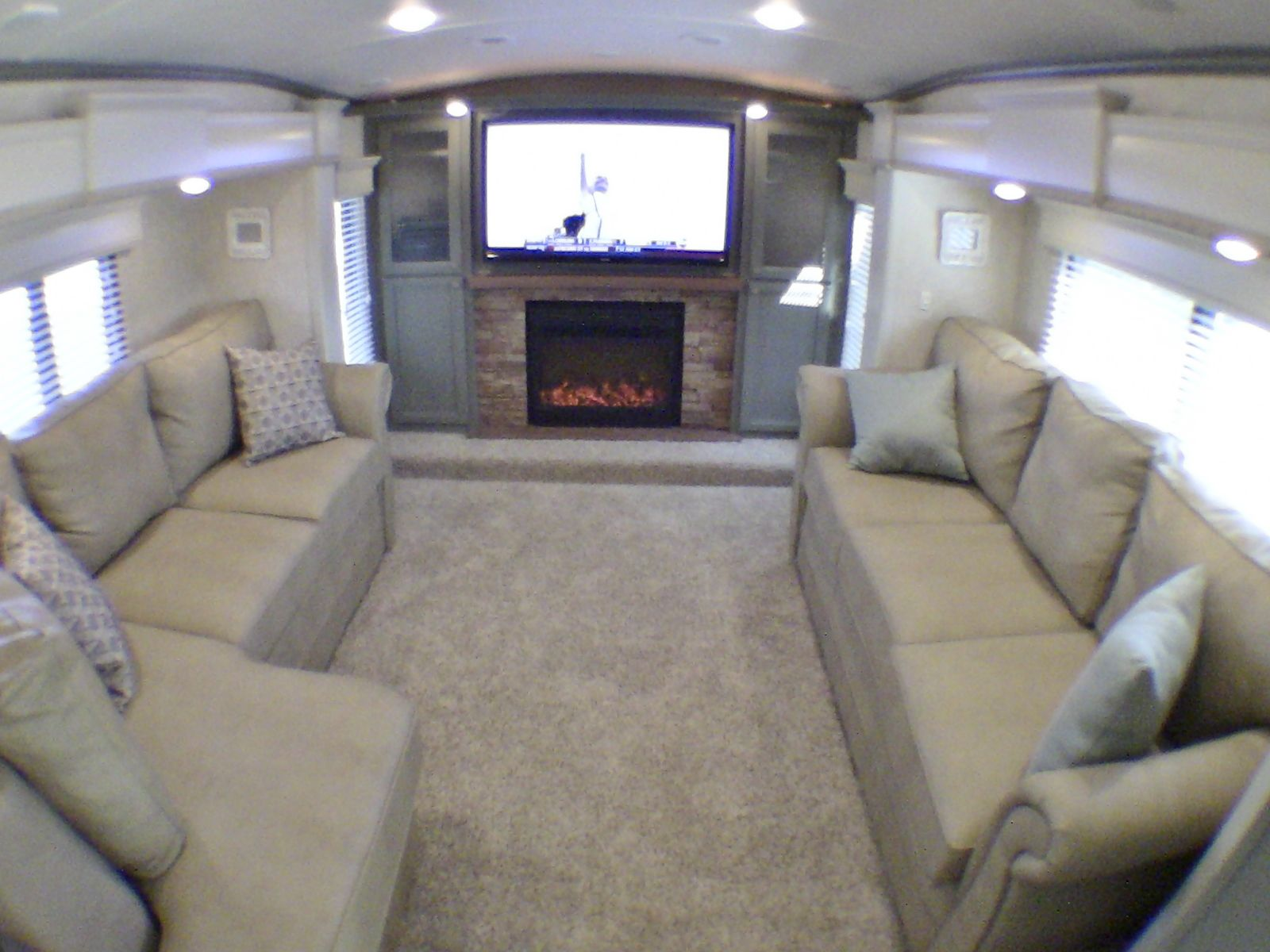 2014 Drv Tradition 390 Luxury Front Living Room 5th Wheel 5