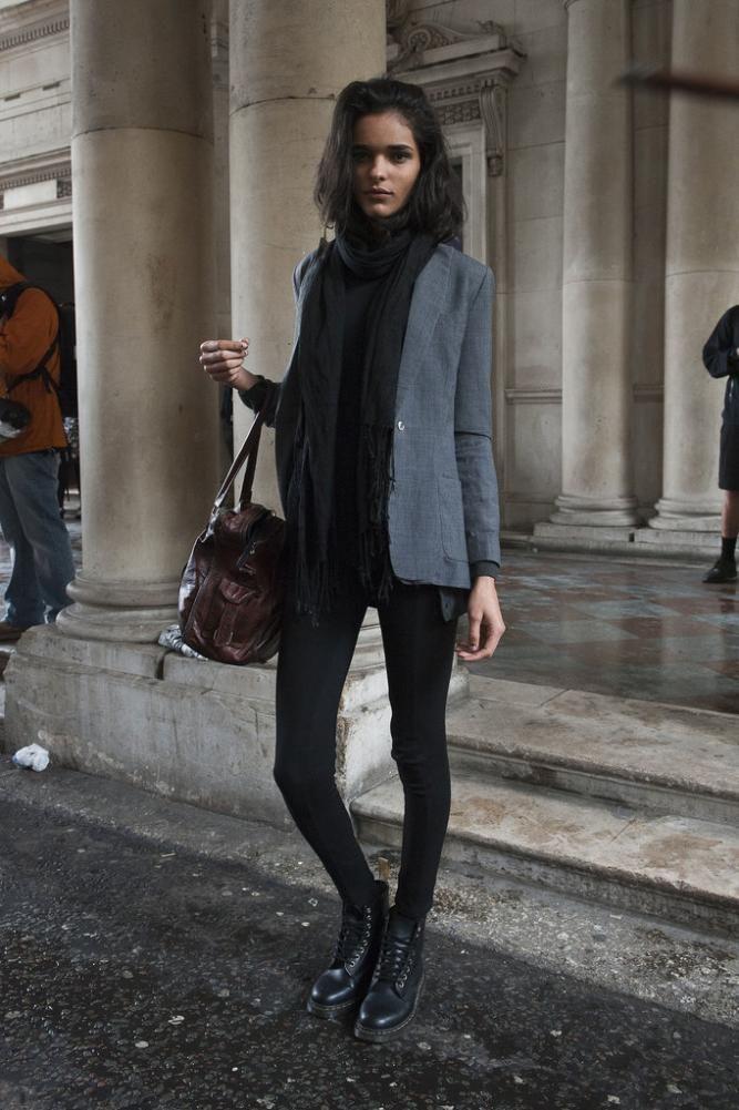 15 outfits con botas dr martens para tu día a día  moda