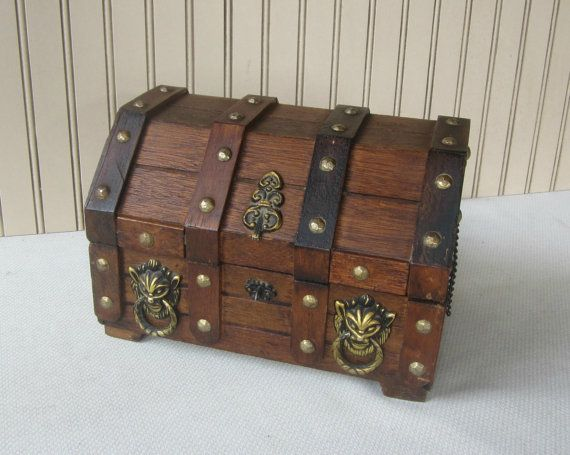Men 39 S Treasure Chest Vanity Box Men 39 S By Vintagesouthernpicks Vanity Box Wooden Chest Mens Jewelry Box