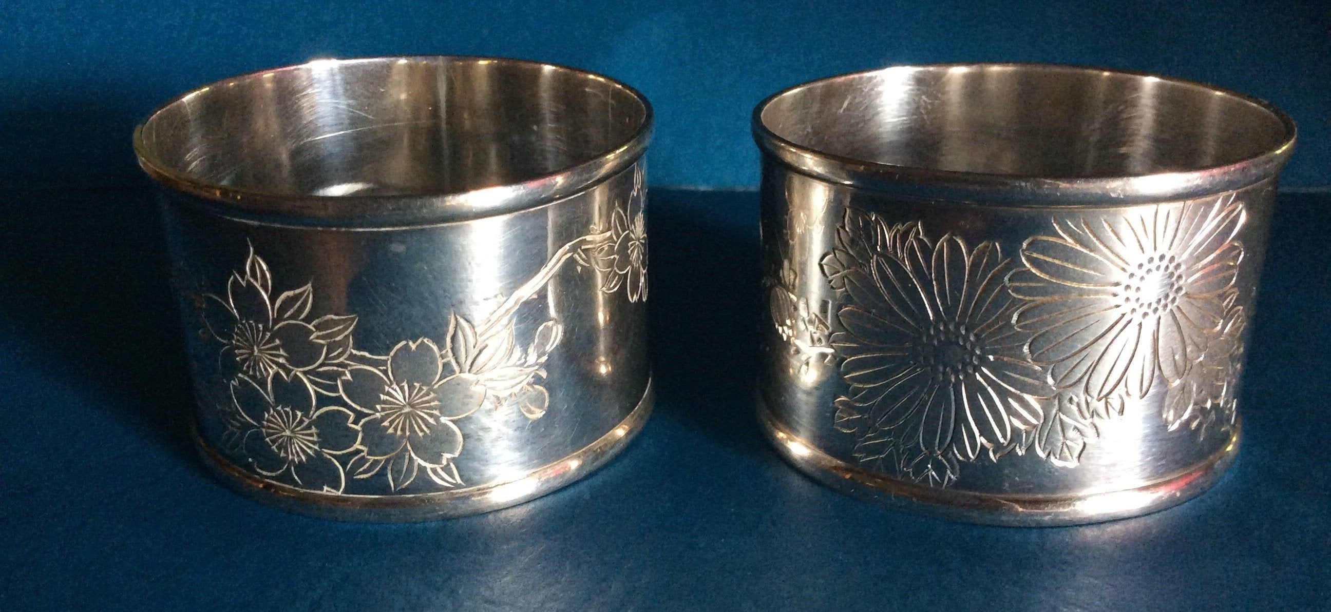2 X silver napkin rings