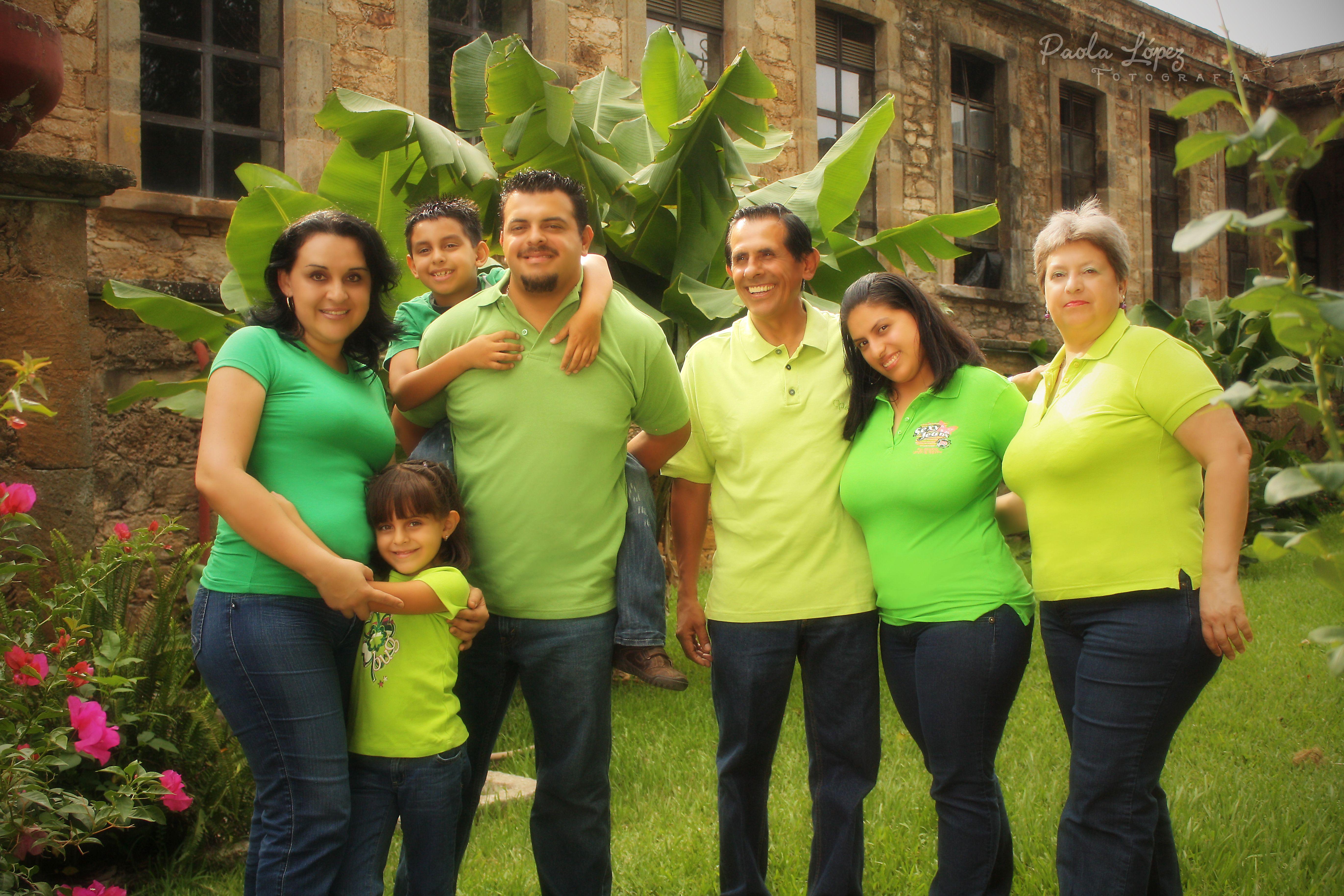 All Rights Reserved© Paola López | Fotografía. / contact: pao_fotografics @ hotmail.com or facebook/fotografics #FamilyPhotoshoot #Mexico