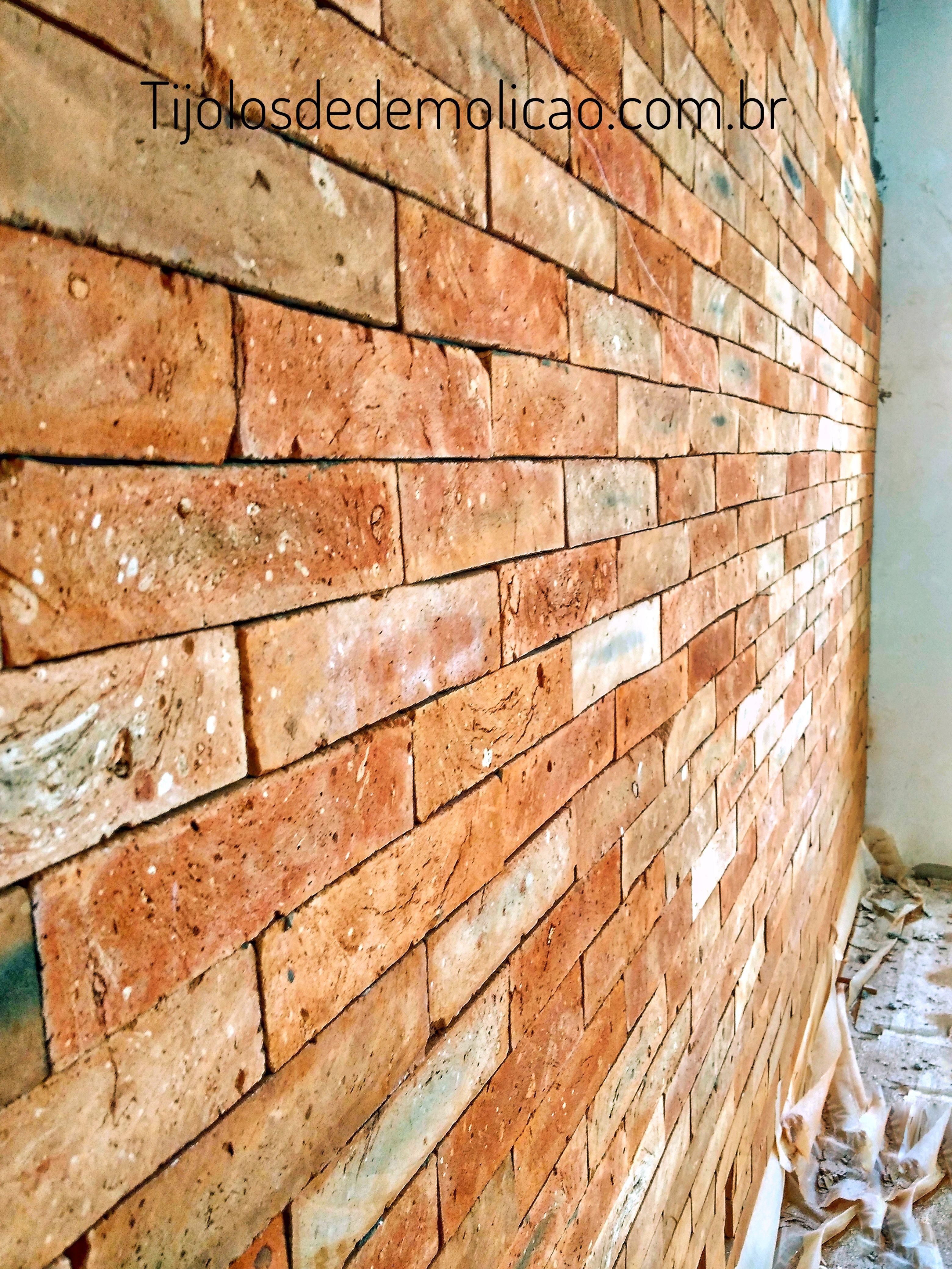 66ffc870c  tijolo  tijolodedemolição  tijolinho  sustentabilidade  tijolodedemolicao   tijoloaparente  plaqueta  plaquetarustica