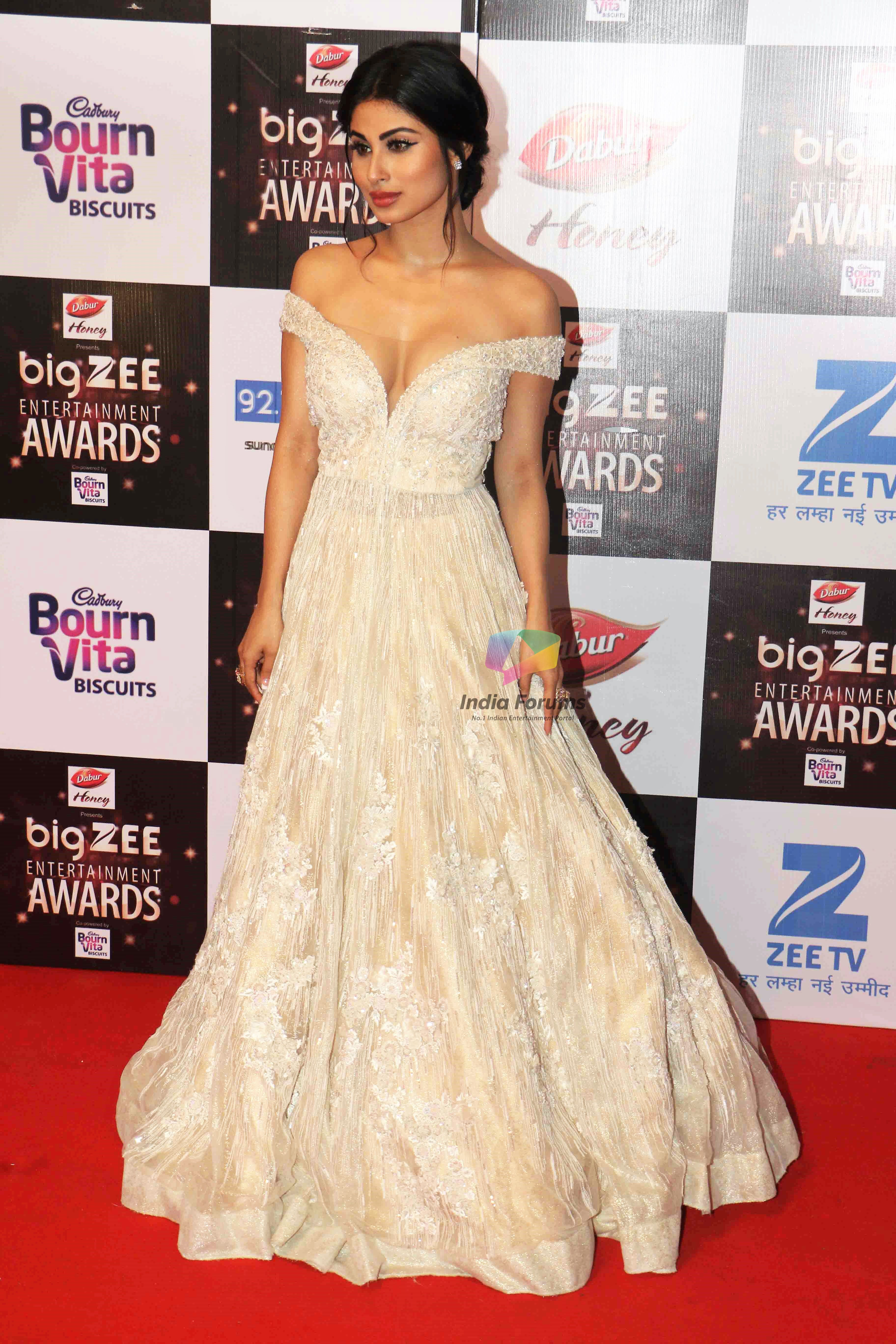 Mouni Roy In A Beige Ballroom Gown At Big Zee Awards 2017