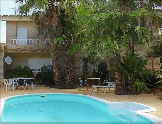 Tarragona deltebre ruimar casa rural villa flamingo urb for Casa rural 2 personas piscina privada