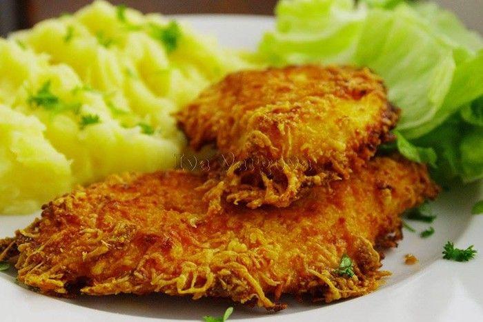 Diese Schnitzel haben weniger Kalorien als die klassischen panierten, sind aber dennoch zart und schmackhaft. Eine sehr gute Wahl für ein leckeres Mittagessen. Guten Appetit!