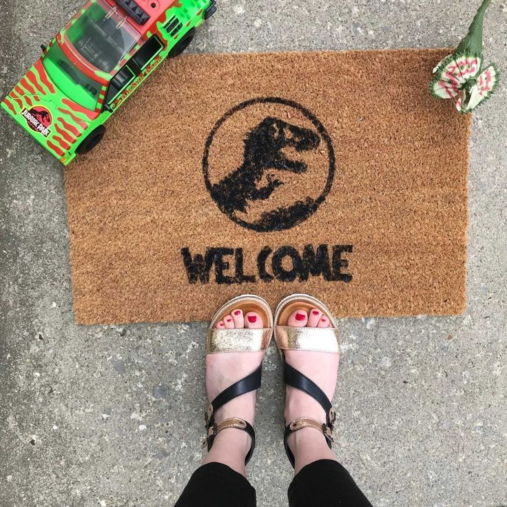 DIY: Welcome (Mat) to Jurassic Park #jurassicparkworld
