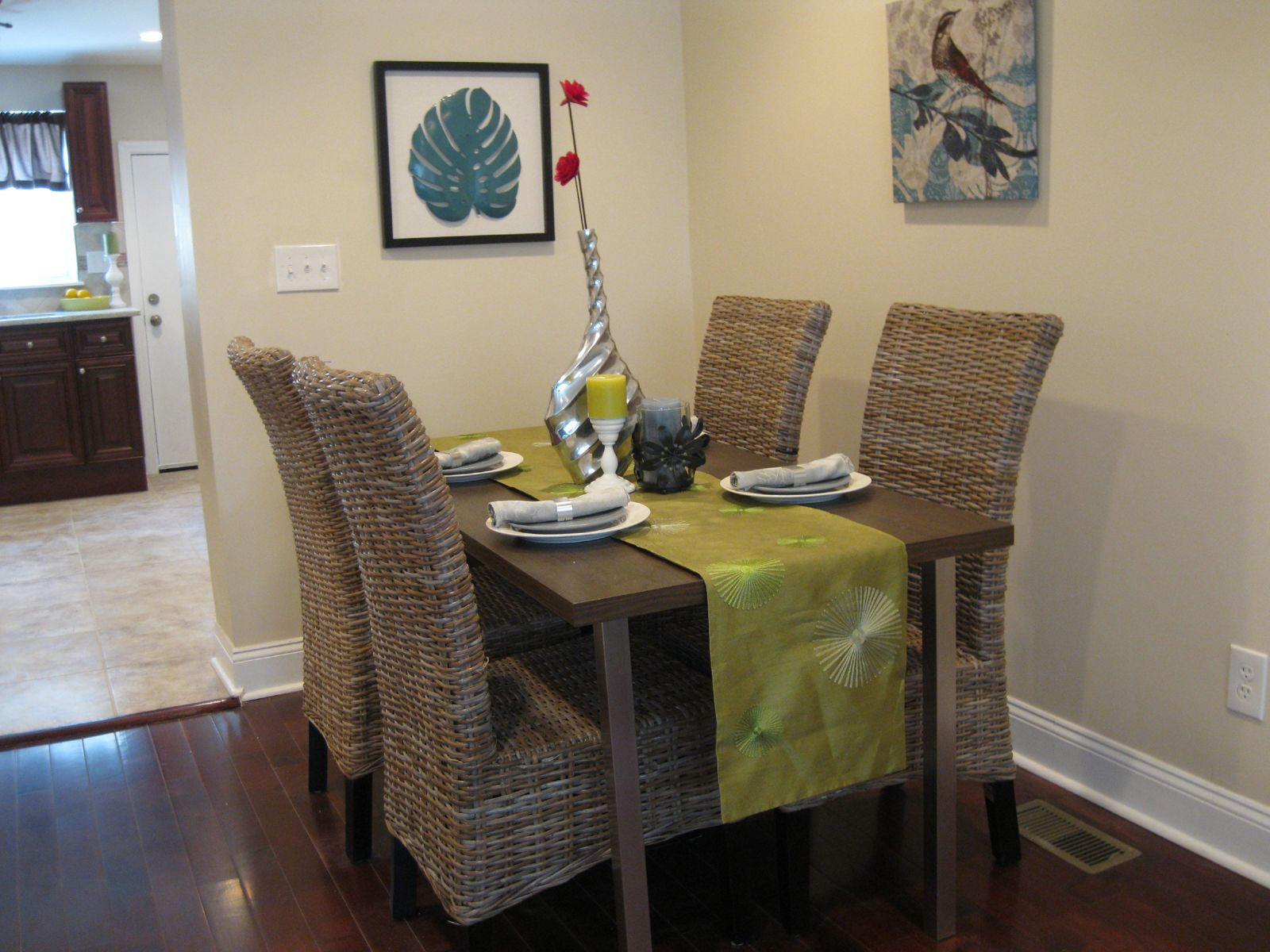 Home Staging Ideas Dining Table