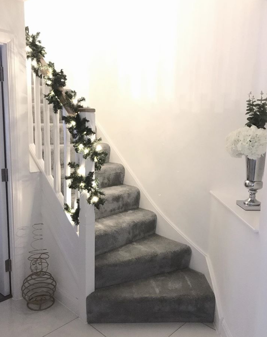 Best Less Is More With This Beautiful Christmas Styling By Amy 400 x 300