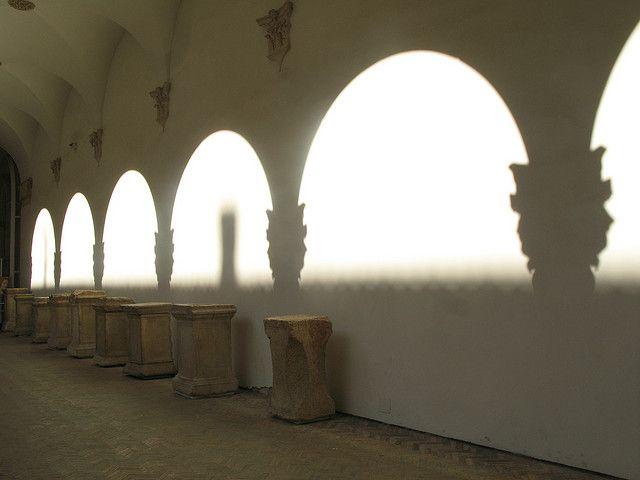 Urbino Cloister by Leonard Davich, via Flickr #InvasioniDigitali il 27 aprile alle ore 11.00 Invasore: Ilaria Barbotti
