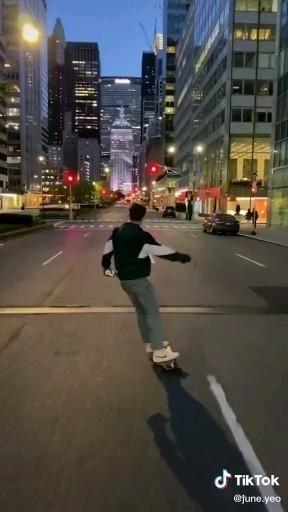 not my video - dm for credit #tiktok #aesthetic #summer #skateboard #nyc #newyork