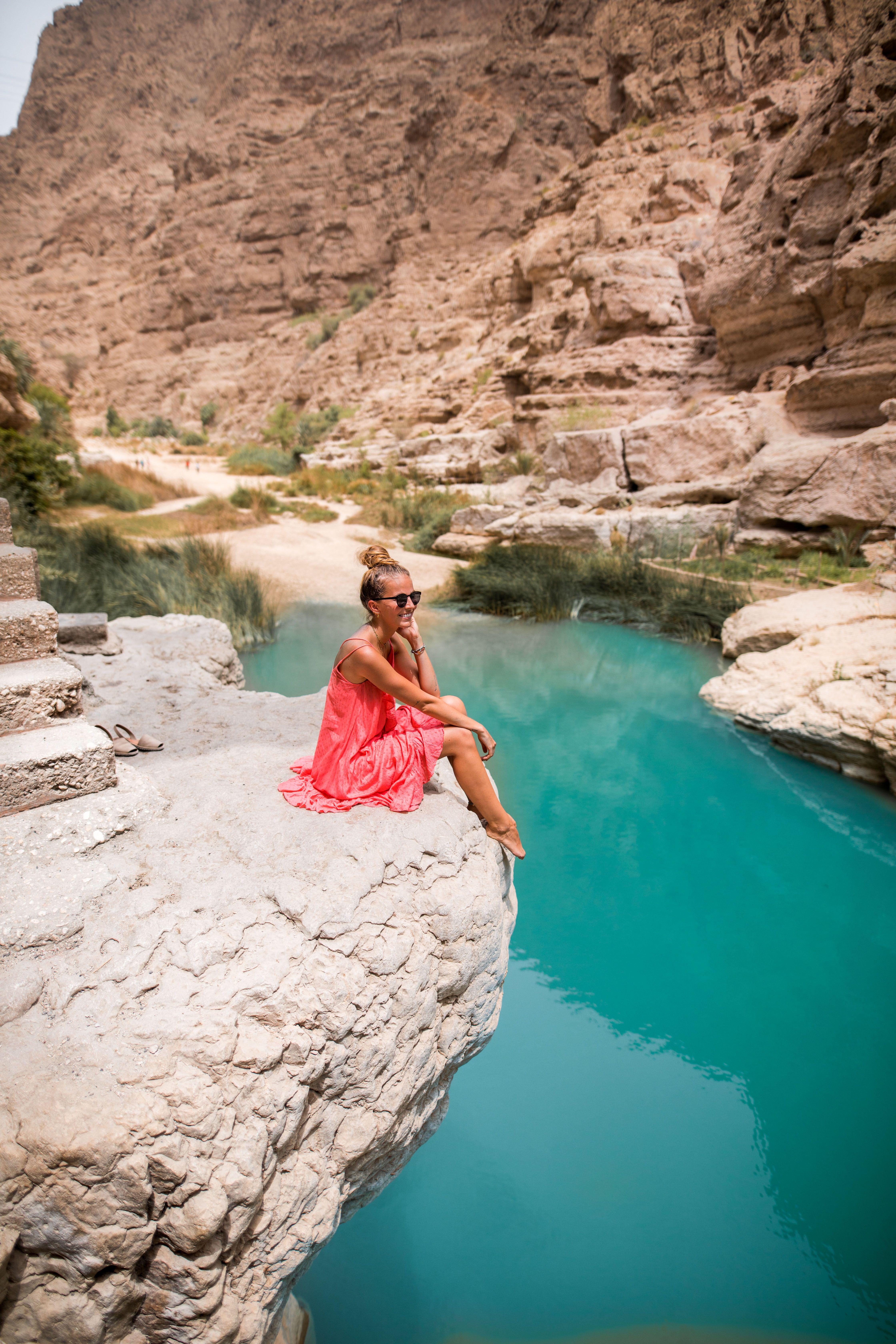 Wadi Shab Oman Travel Oman Muscat Wadishab Wadi Shab Girl Nature Wustenlandschaft Reisen Oman