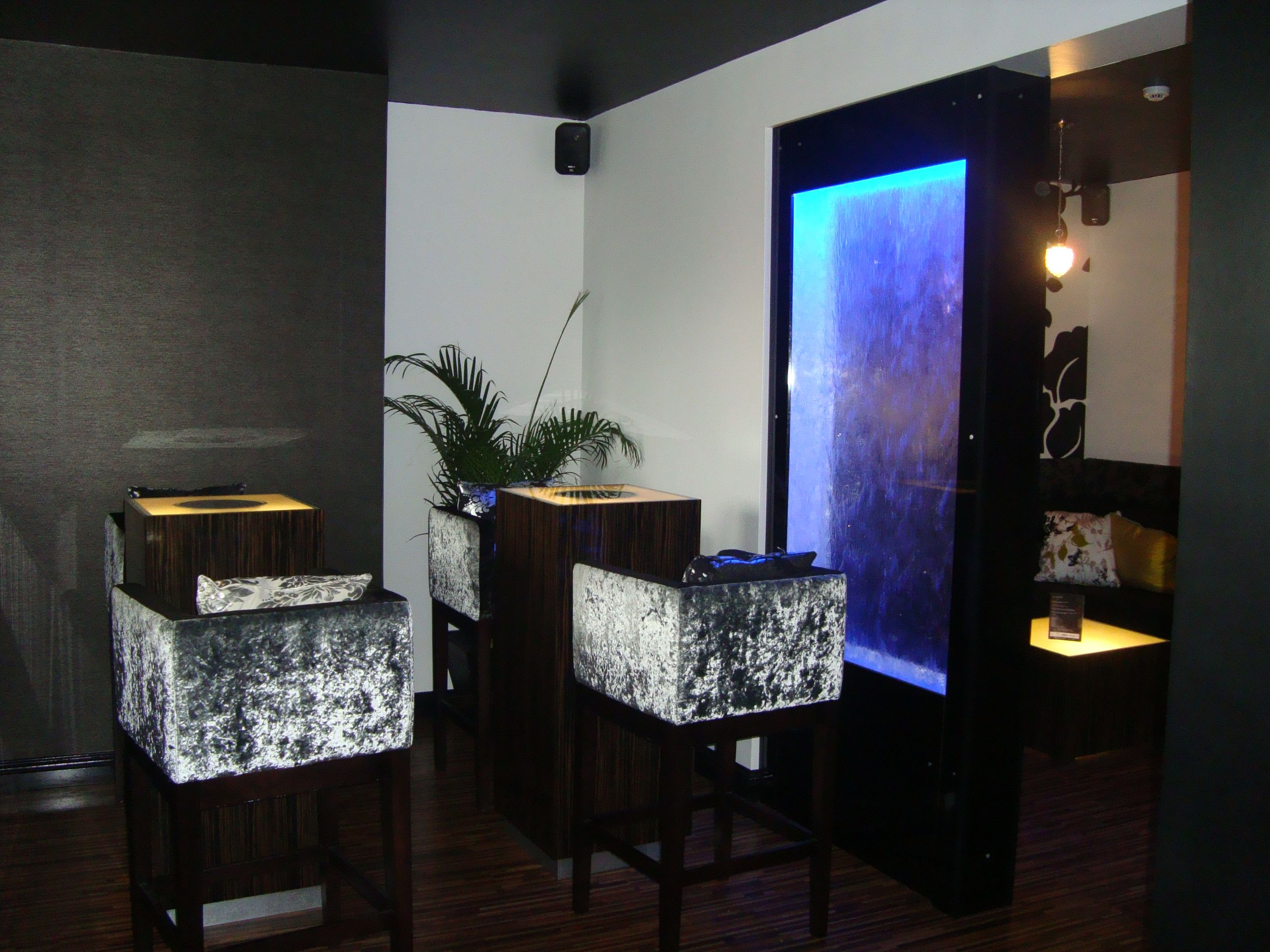 htm our interior dsc enjoy water features