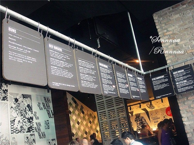 Flat Aluminum Displays With Vinyl Graphics Like These Would Make Changing  The Menu Relatively Simple Restaurant