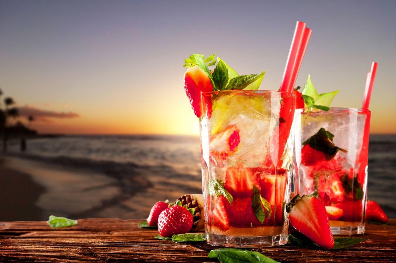 Обои сок, стакан, клубника. Еда foto 12
