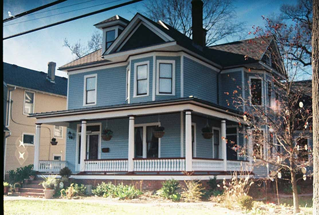 Fancy gray house exterior paint idea with white window Exterior house colors with brown roof