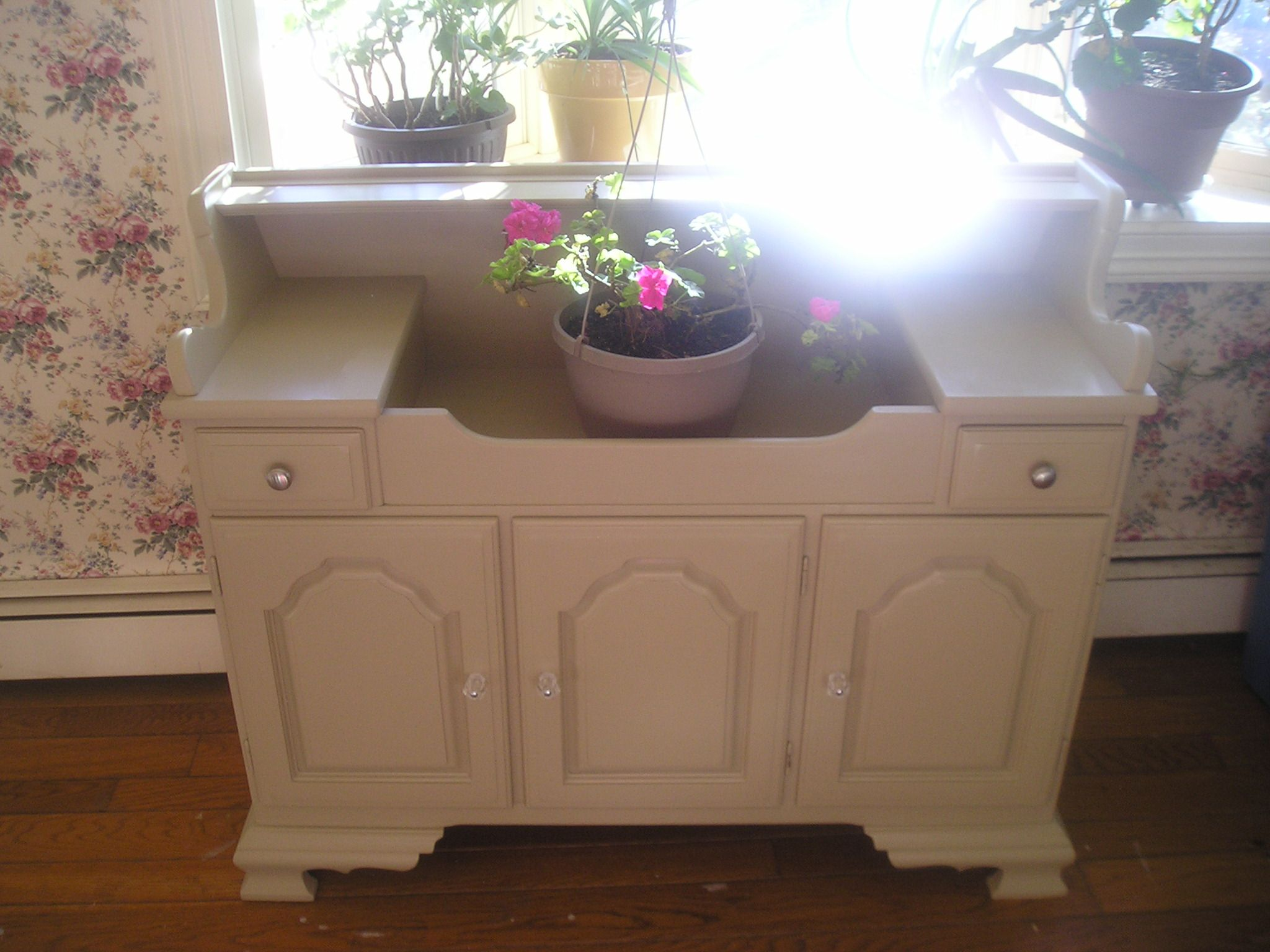 Dry Sink Painted With BM And Websteru0027s Chalk Paint SOLD