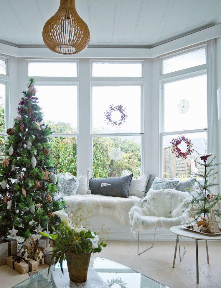 A Dunedin Villa Celebrates Christmas In Scandistyle Living Rooms Interesting Living Room Dunedin Style