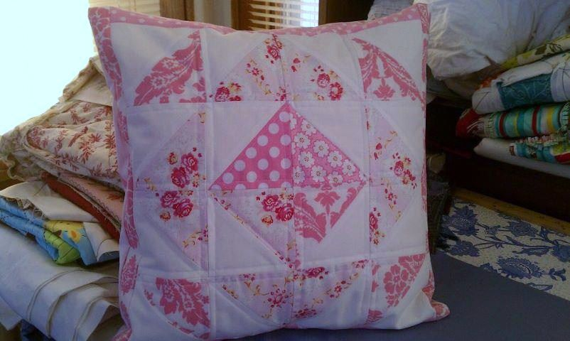 Shabby chic pillow Sew Shabby Designs Sewing items Pinterest Shabby chic pillows, Shabby ...