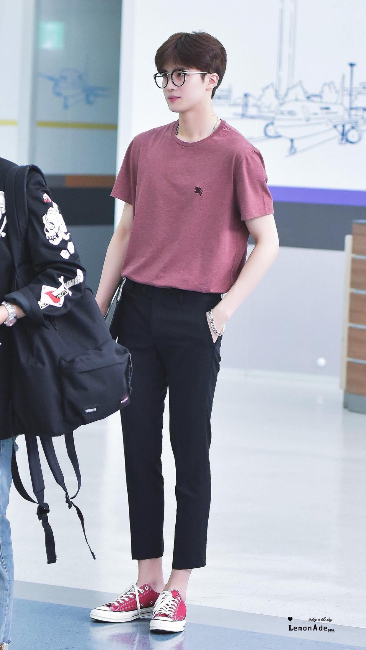 17e991d0d347 YanAn is 79% legs and thats facts Korean Fashion Men