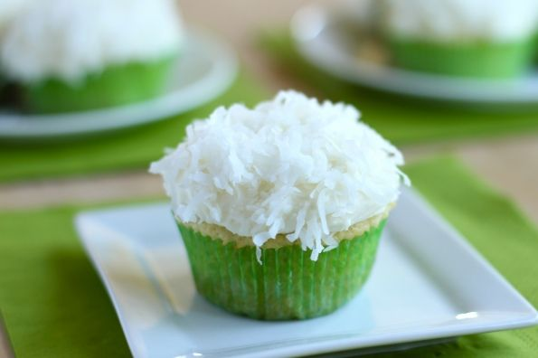 key lime coconut cupcakes w/ white chocolate frosting