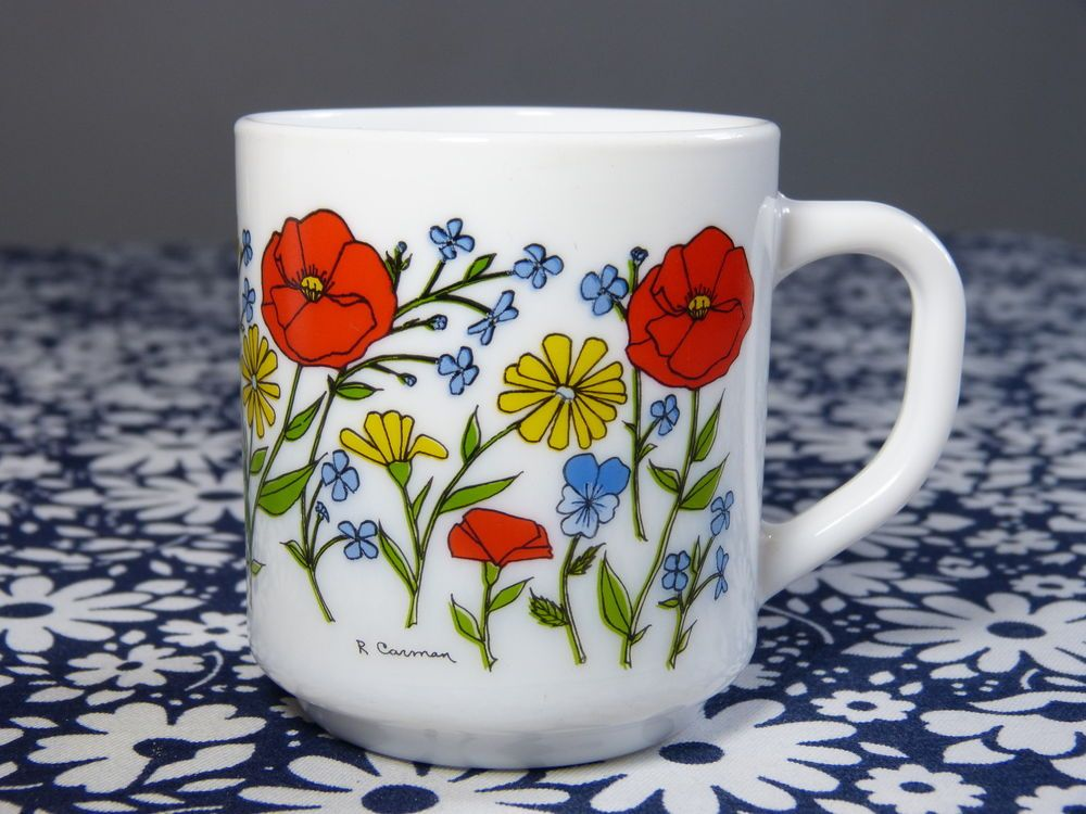 Tasse mug arcopal d cor fleurs sauvages sign r carman for Decoration annee 80