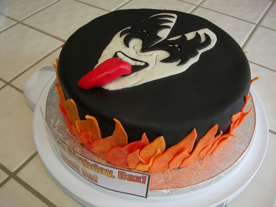 Kiss Cake In Gene Simmons Al Birthday Cakes