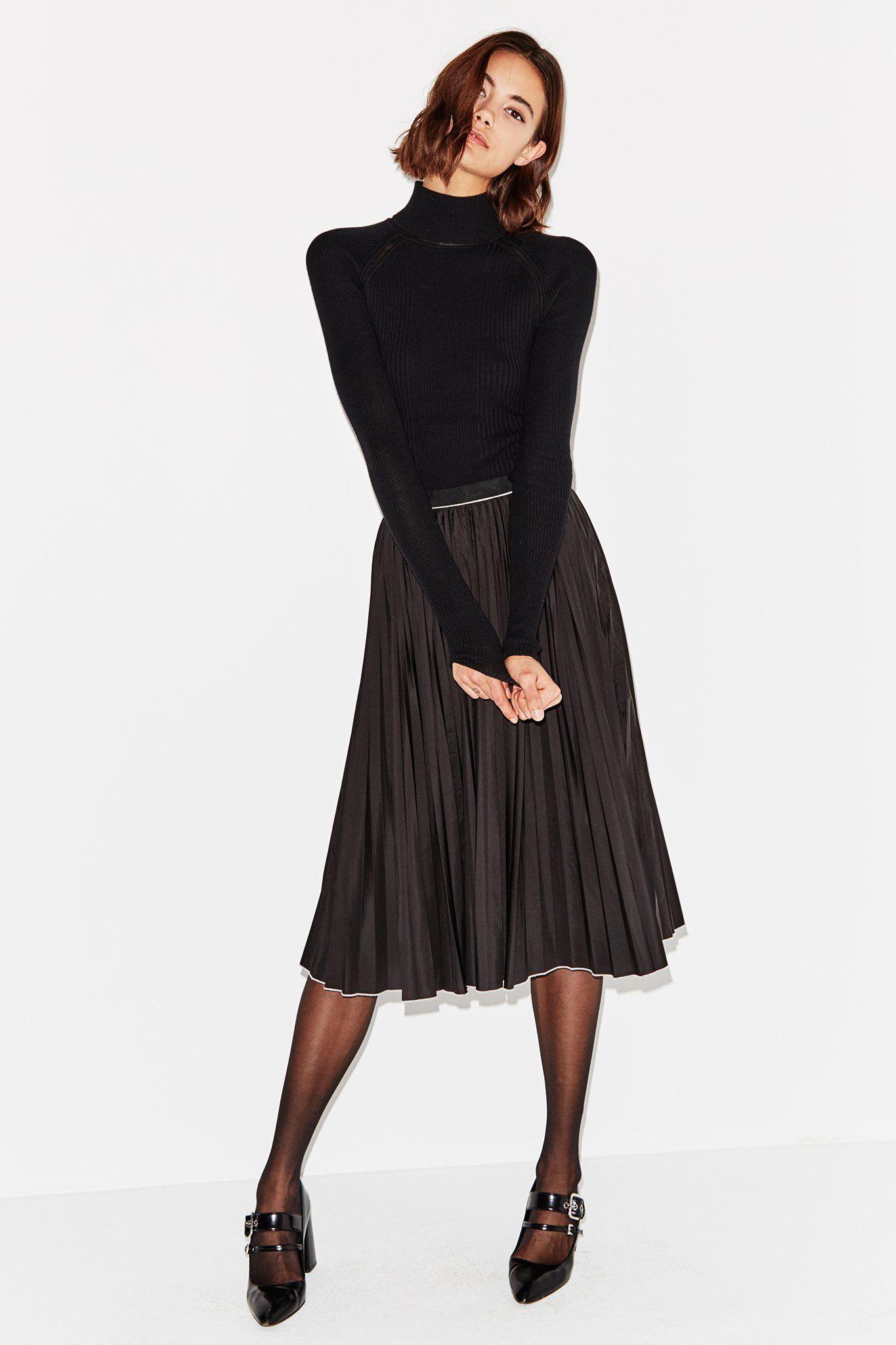 Misha Nonoo Saturday Skirt Black Chiffon Skirt Outfit Black Chiffon Skirt Black Pleated Skirt Outfit [ 2048 x 1365 Pixel ]