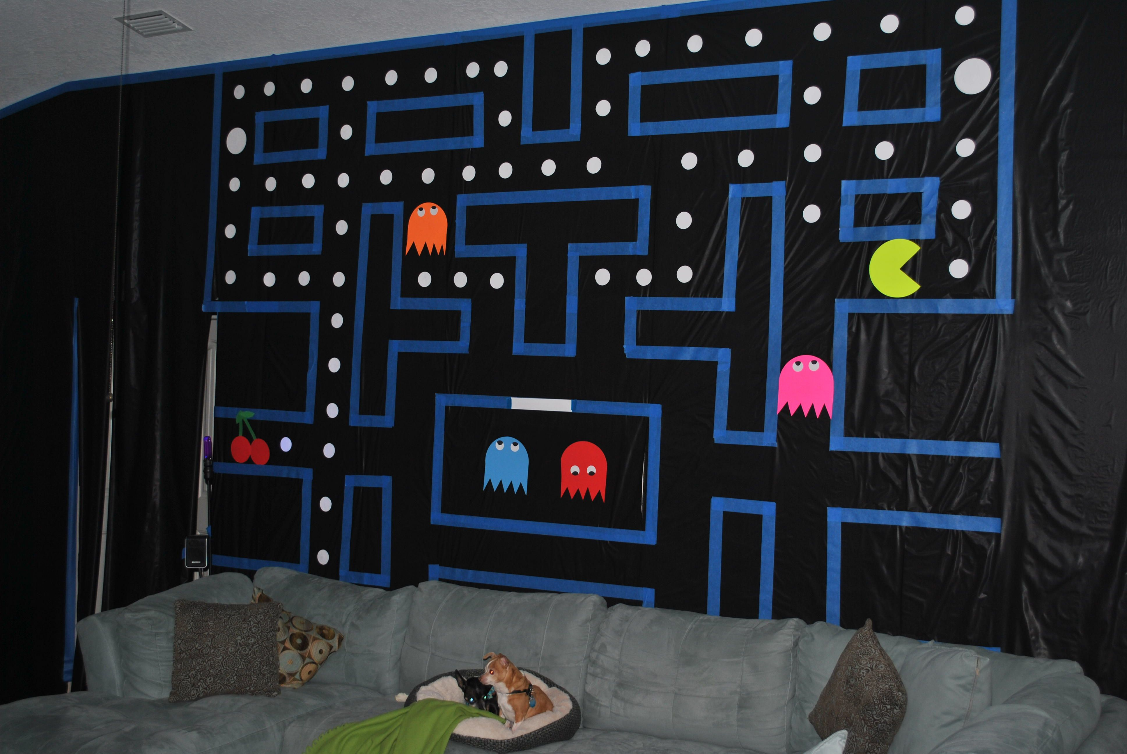 80s party decor pac man wall used one roll of black for 80 party decoration ideas