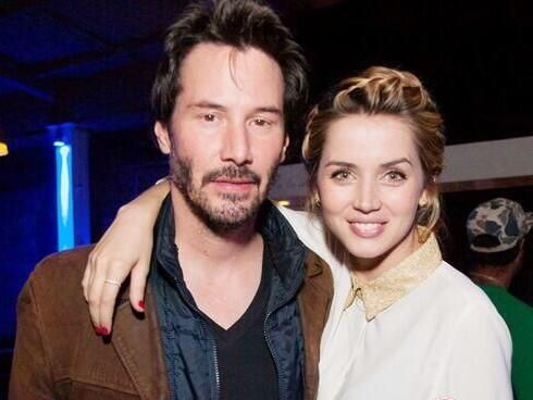 Keanu Reeves With Knock Knock Co Star Ana De Armas Jpg 490 368 Keanu Reeves Keanu Charles Reeves Guys