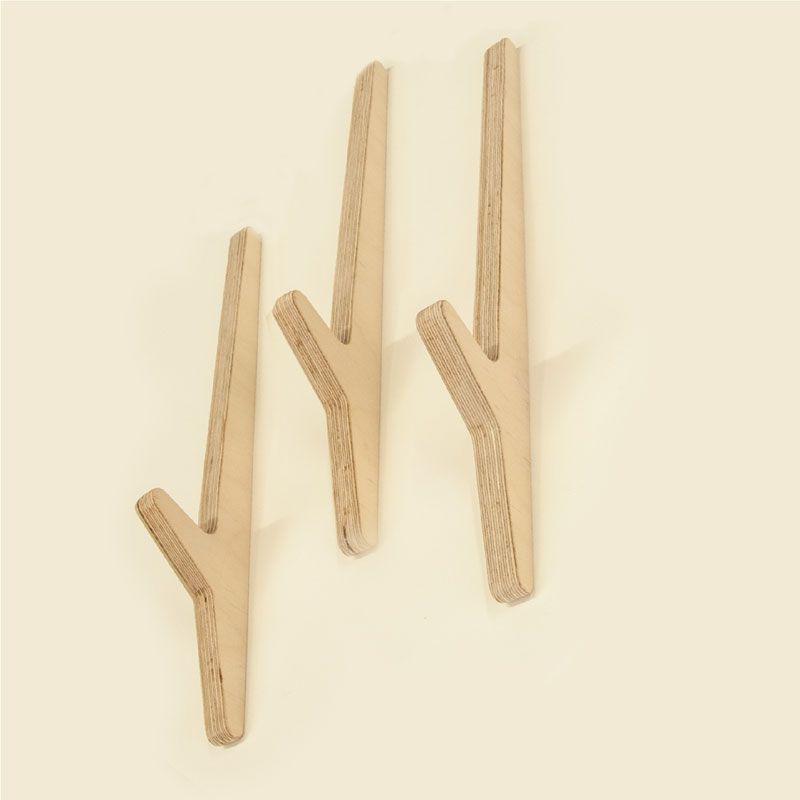 Line brothers. Colgadores de pared en madera. wood wall hangers.