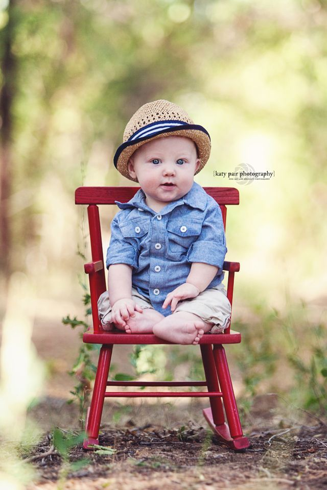 First Birthday Photo Ideas: Outdoors with a chair as a ...