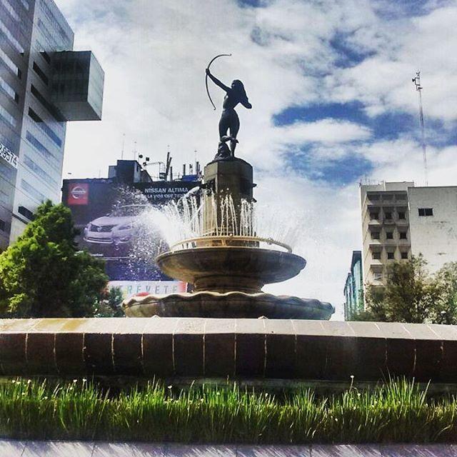 """rickymosho: """"Diana cazadora  #mexico #cdmx #df #colors #blue #sky #living #heart #love"""""""