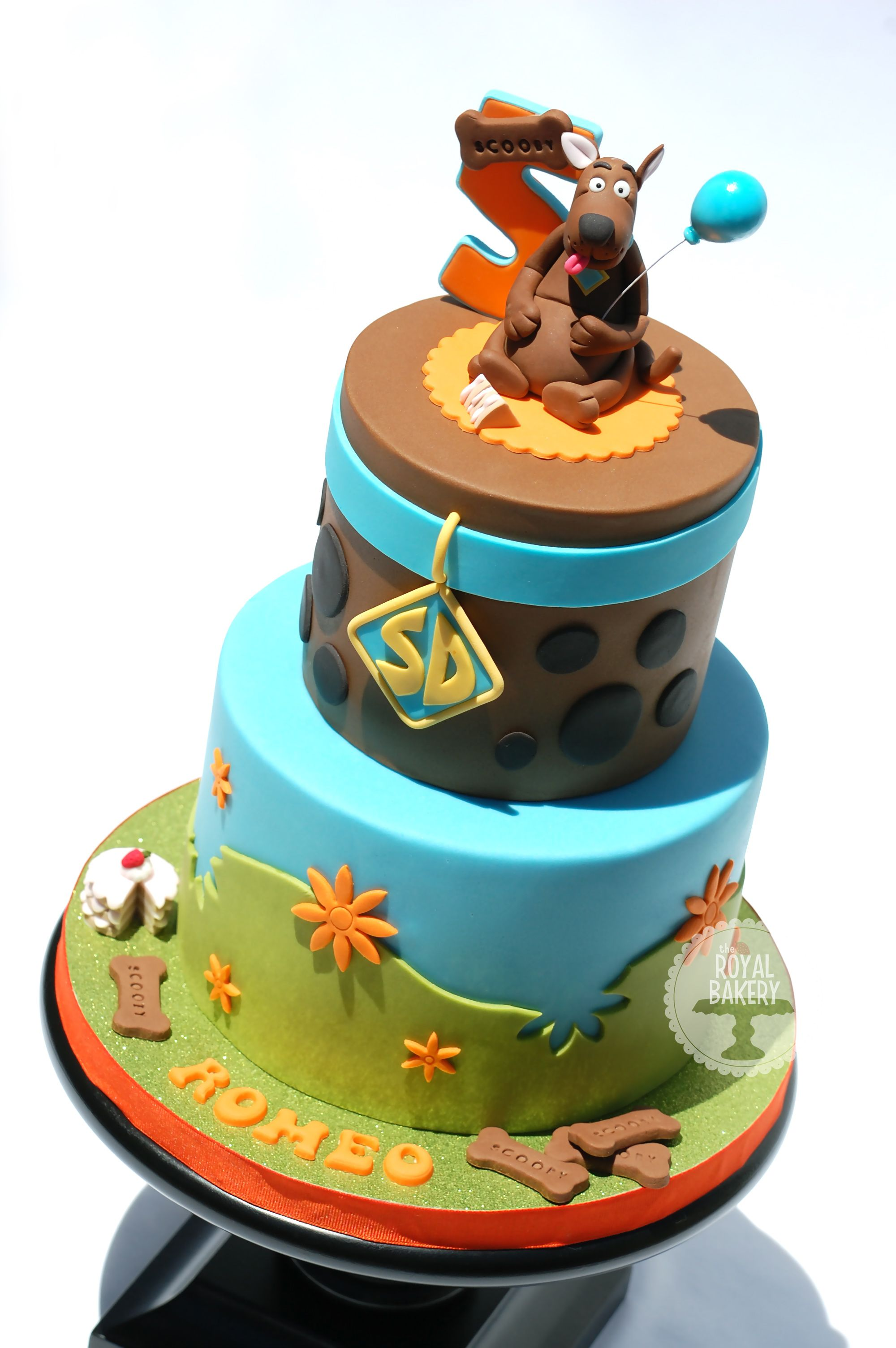Pin by marlena myers on the royal bakery scooby doo cake