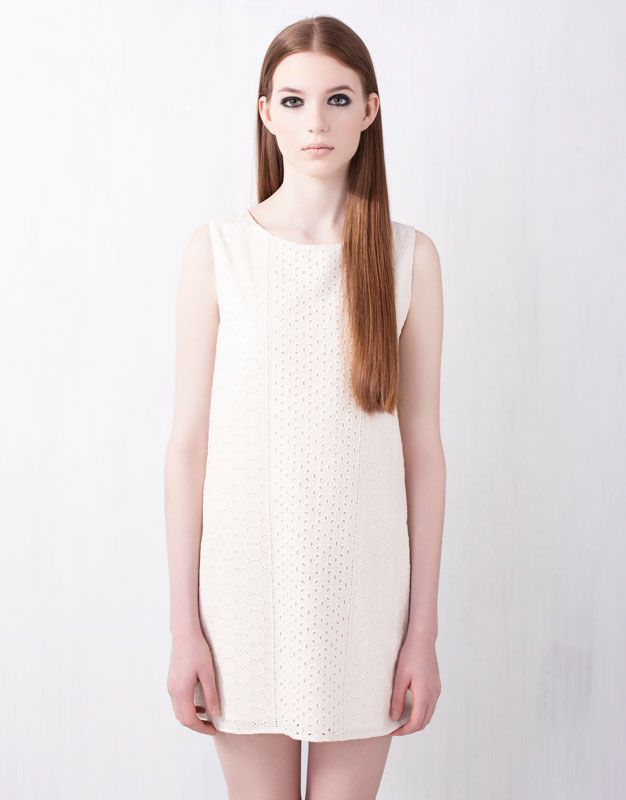 :DRESS WITH BRODERIE ANGLAISE NECKLINE