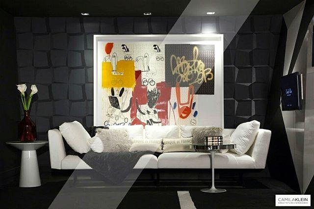 #throwbackthursday de hoje: revivendo o nosso Lounge Cosmopolita na Casa Cor 2014. Mistura de texturas, o abuso do preto, e uma grande obra de arte na parede foram os destaques desta que foi uma das mostras que mais gostei de participar  #camilakleinarquiteta #tbt #casacor #mostra #arte #decoração #interiordesign