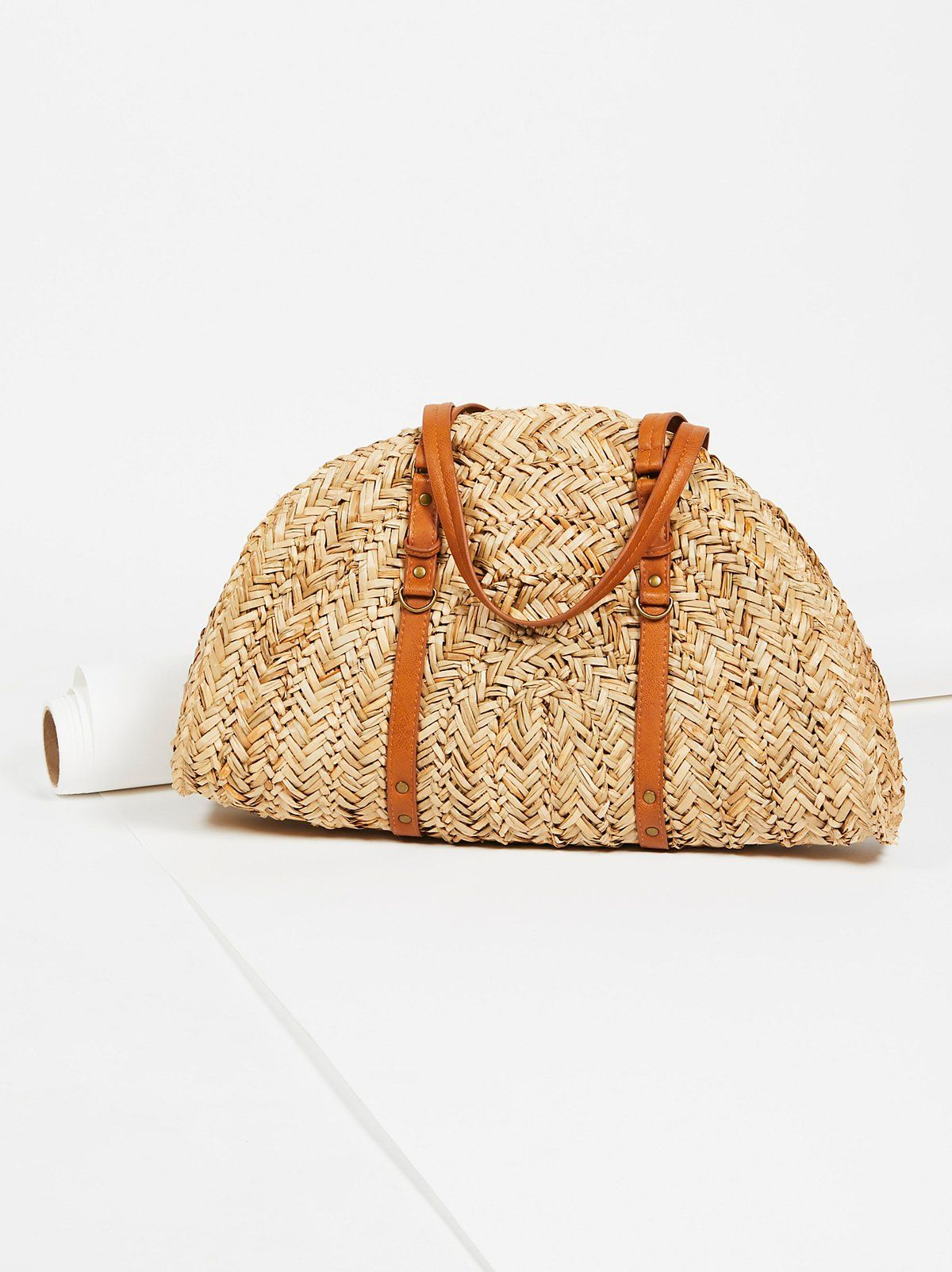 Round Straw Shoulder Bag The Fashion Bible HPecm