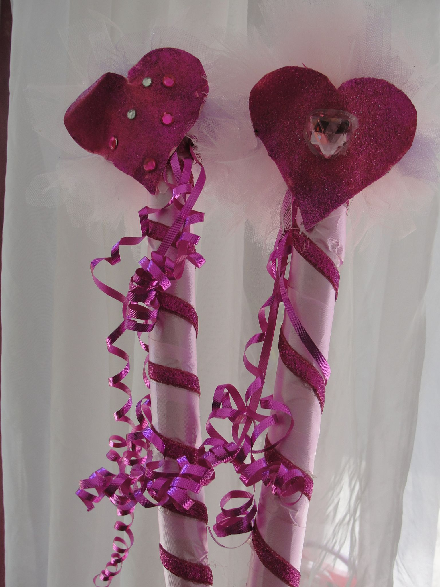 Fairy princess wands made with tin foil paper rolls for Birthday wand