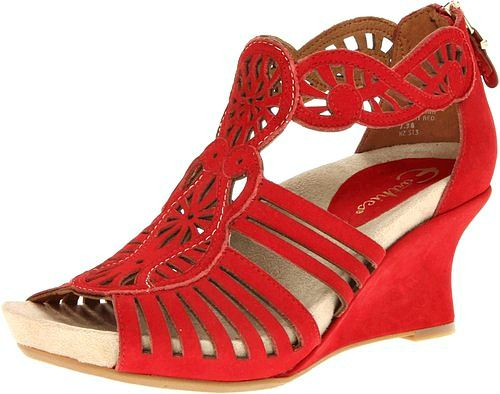 de4f7e2496c4 10 of the Most Comfortable Wedges for Travel  Leave the Heels at Home!