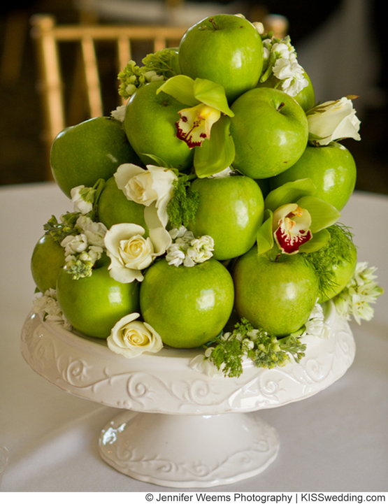 Wedding table decorations using apples budget friendly for Apple fruit decoration