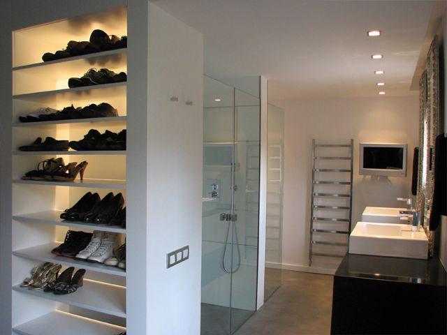 Decoracion moderno ba o vestidor tocador estanterias - Grifos modernos bano ...