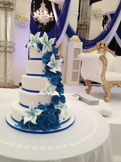 Stunning Blue Roses Cake