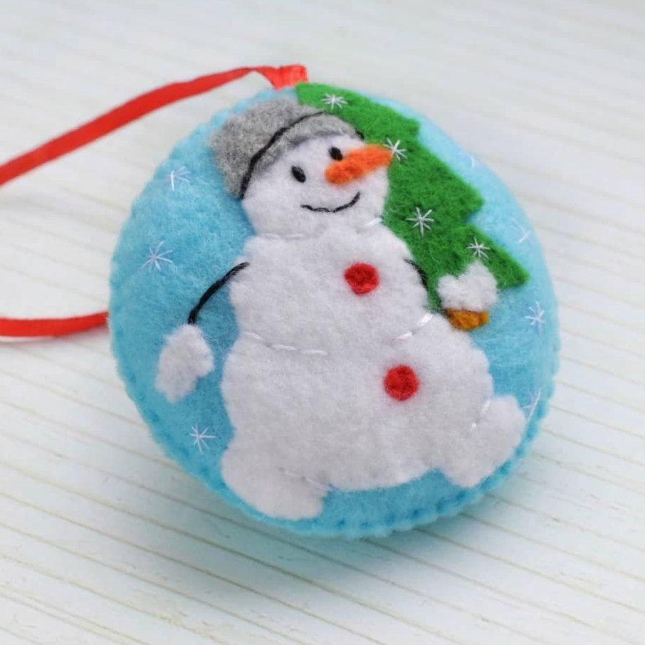 Snowman Christmas Ornament Felt Christmas Decorations Felt Etsy In 2021 Felt Christmas Ornaments Handmade Felt Ornament Felt Christmas Decorations