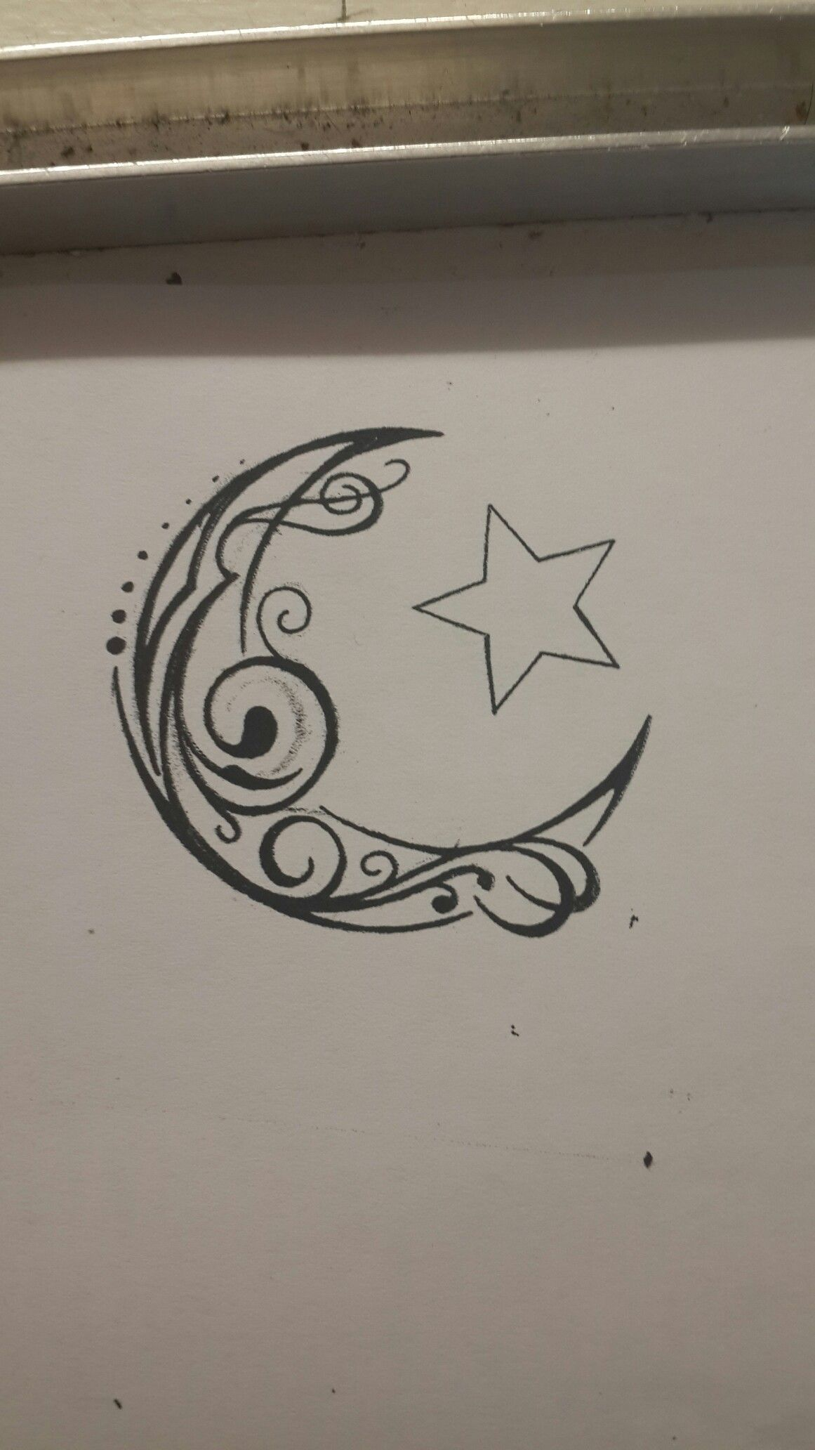 crescent moon and star tribal swirl tattoo design tattoo me please pinterest swirl tattoo. Black Bedroom Furniture Sets. Home Design Ideas