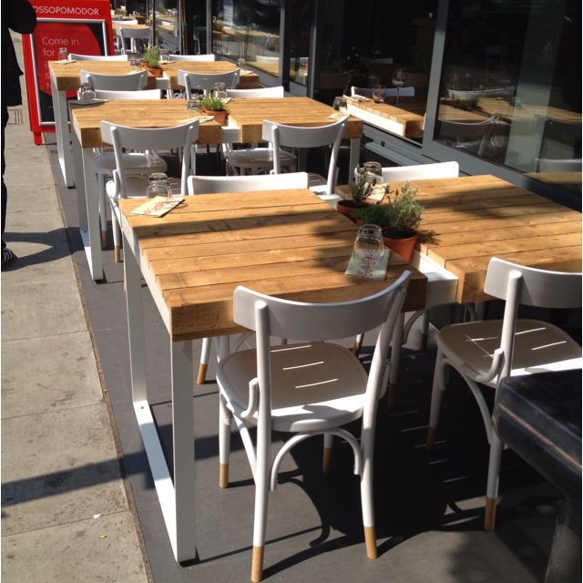 London Restaurant Outdoor Seating