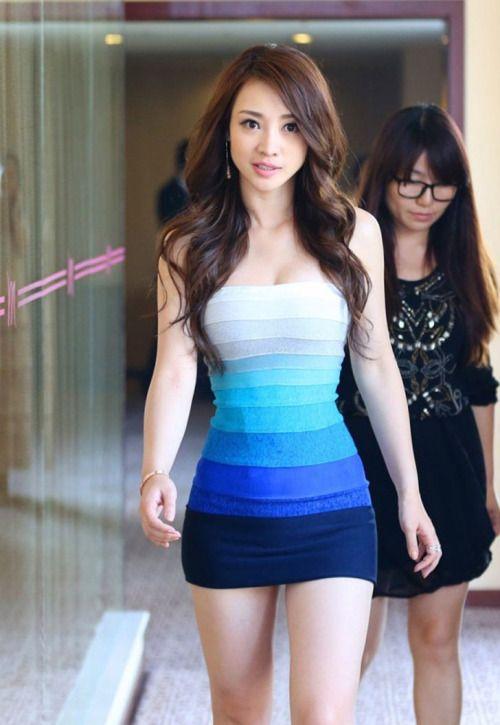 Hot Girl Tight Clothes