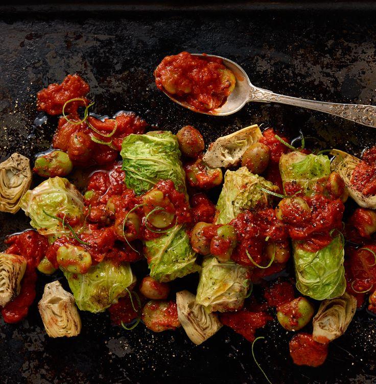 Hiszpańskie Gołąbki Z Chorizo W Pomidorach Z Karczochami