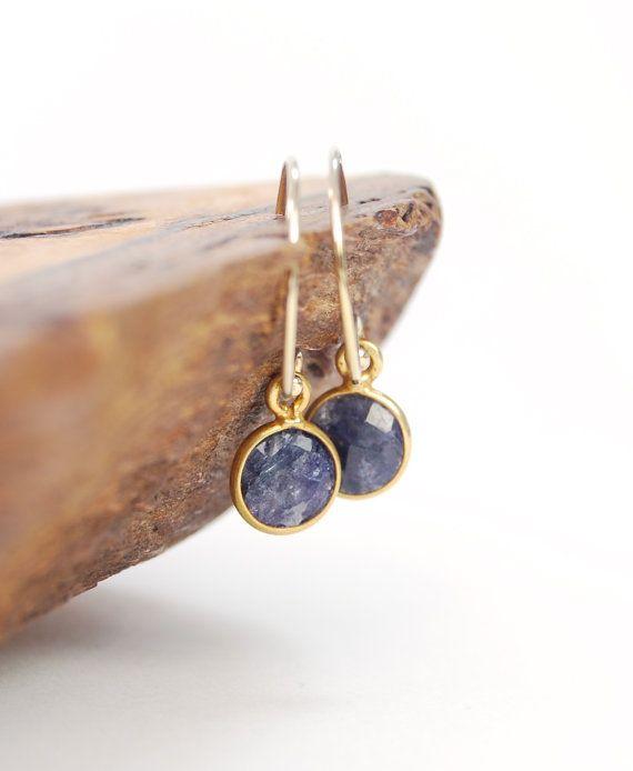 Hokule'a earring  blue sapphire gold earring by kealohajewelry