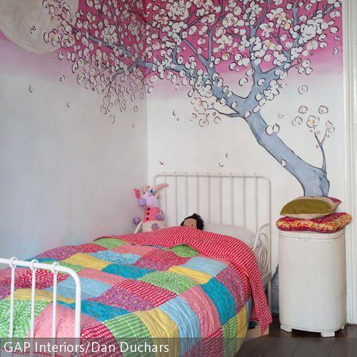 Romantische Wandbemalung Im Mädchenhaften Kinderzimmer Ideas